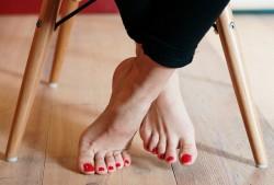 灰指甲要拔掉指甲才能治好吗?