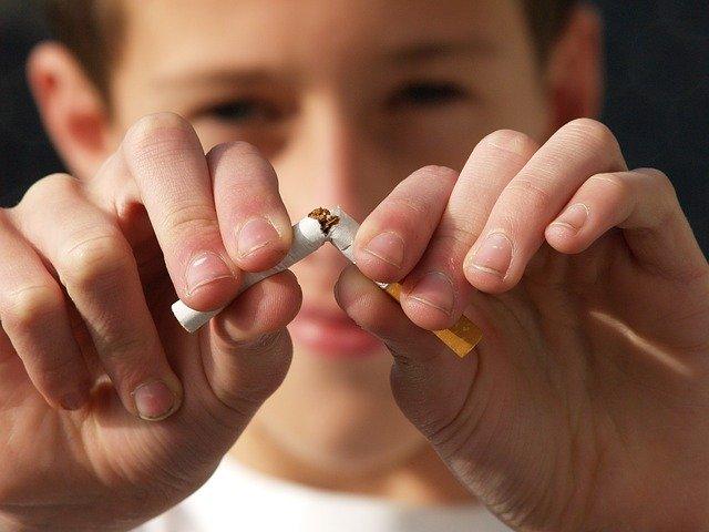 想生高质量宝宝,孕前戒烟了吗?