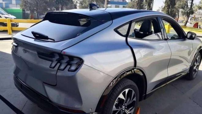 福特纯电动SUV Mustang Mach-E首辆车已下线,2020年秋将批量生产!