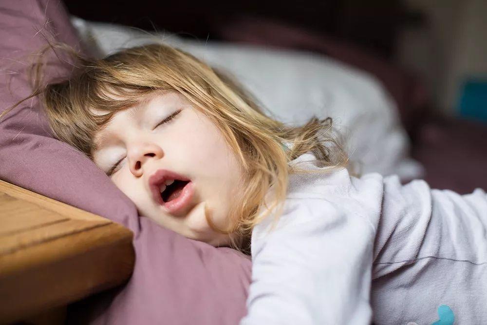 孩子睡觉打呼噜是怎么回事?