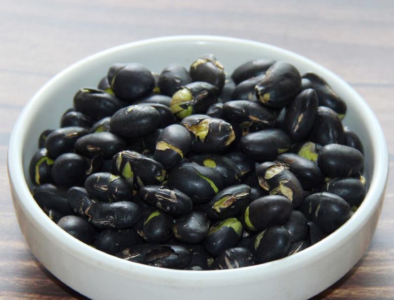多吃黑芝麻、黑豆,能让头发又黑又亮吗?