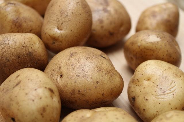 发芽的大蒜、土豆到底哪些有毒?哪些能吃?