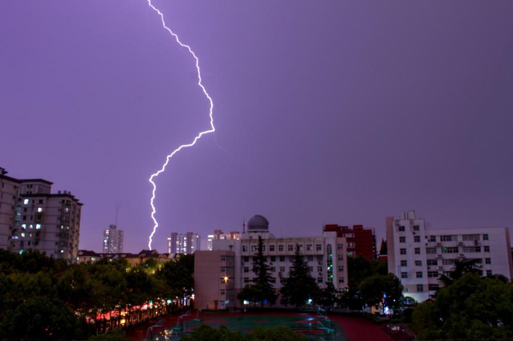 保定发布雷电黄色预警!雷阵雨又来了!